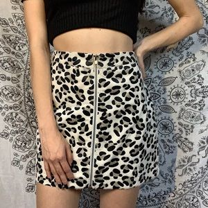 🖤 WILD HONEY LEOPARD / COW PRINT ZIPPER SKIRT 🖤